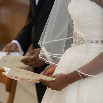 Mollineau Weddings & Events: Ceremony Structure & Personalised Vows.